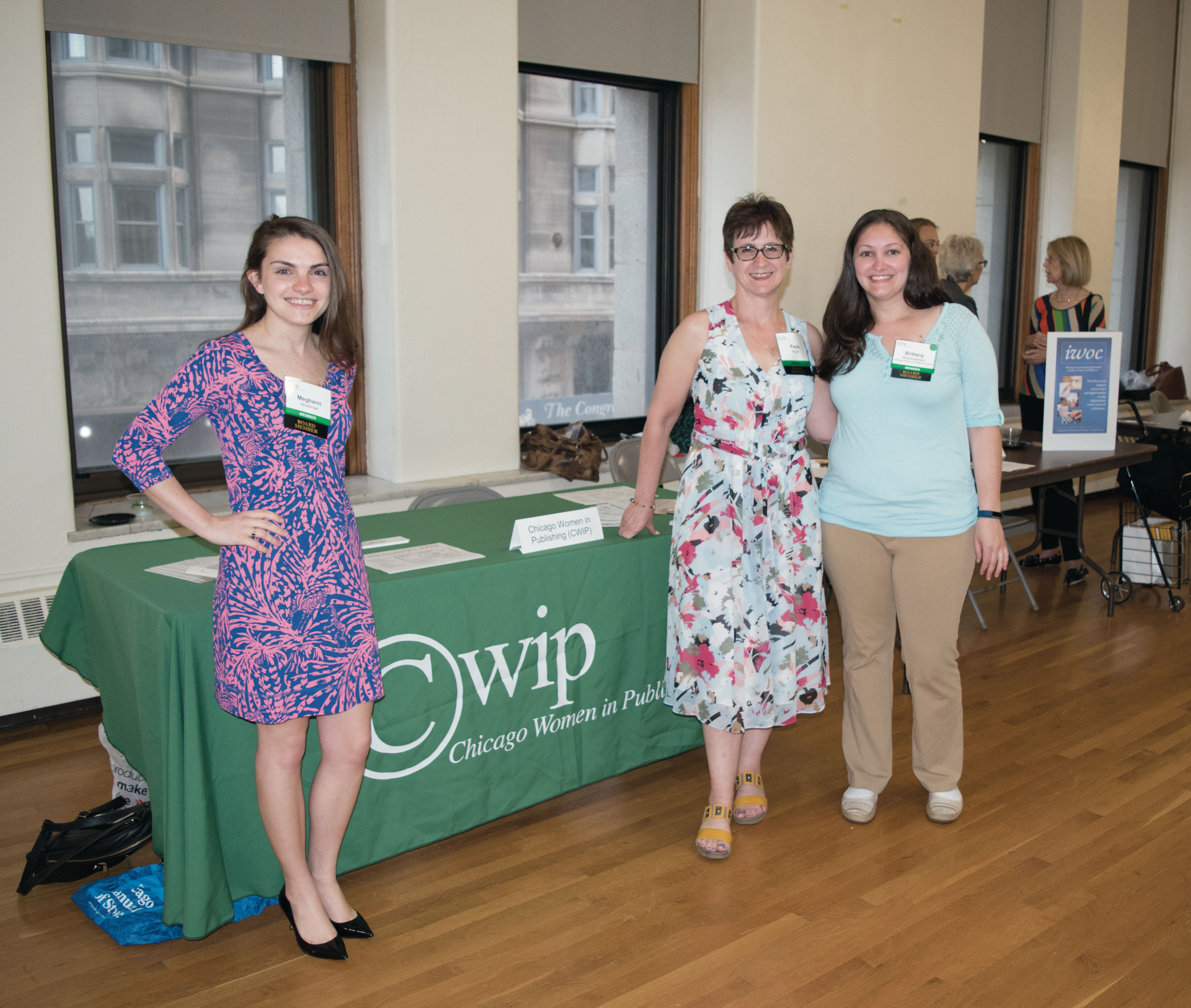 Networking, socializing and learning about Chicago's publishing industry at CWIP's Publishing Fair.